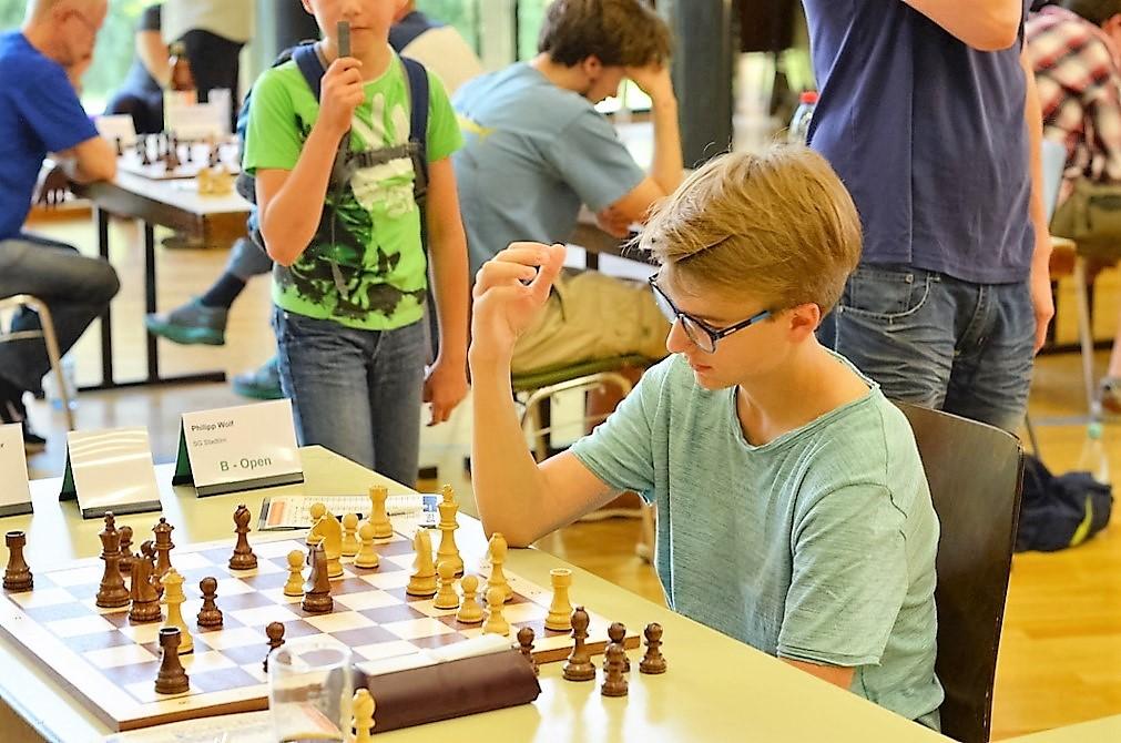 vellmarer-schachtage-2016-schwebende-hand-4