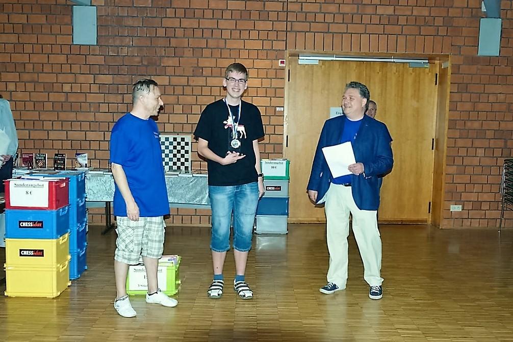 vellmarer-schachtage-2016-siegerehrung-c-open-patrick-nehren