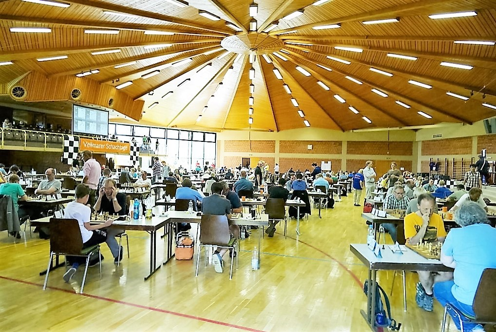 vellmarer-schachtage-2016-voller-turniersaal